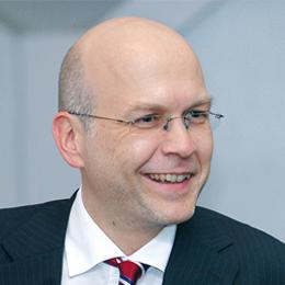 Dr Peter Dreyer