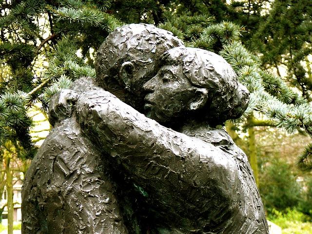 http://pixabay.com/de/vergeben-einander-vergeben-vergebung-208824/