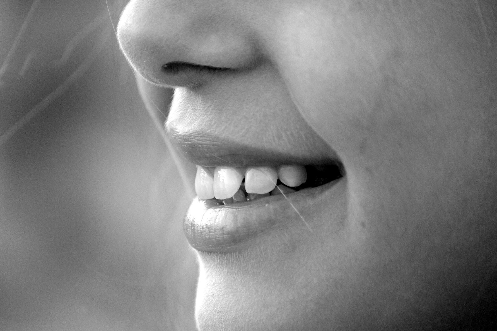 Lächeln Mund und Nase