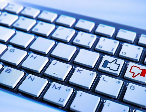 Tastatur Facebook Like und Dislike Button