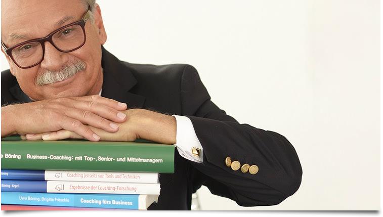 Veröffentlichungen - Dr. Uwe Böning mit seinen Büchern