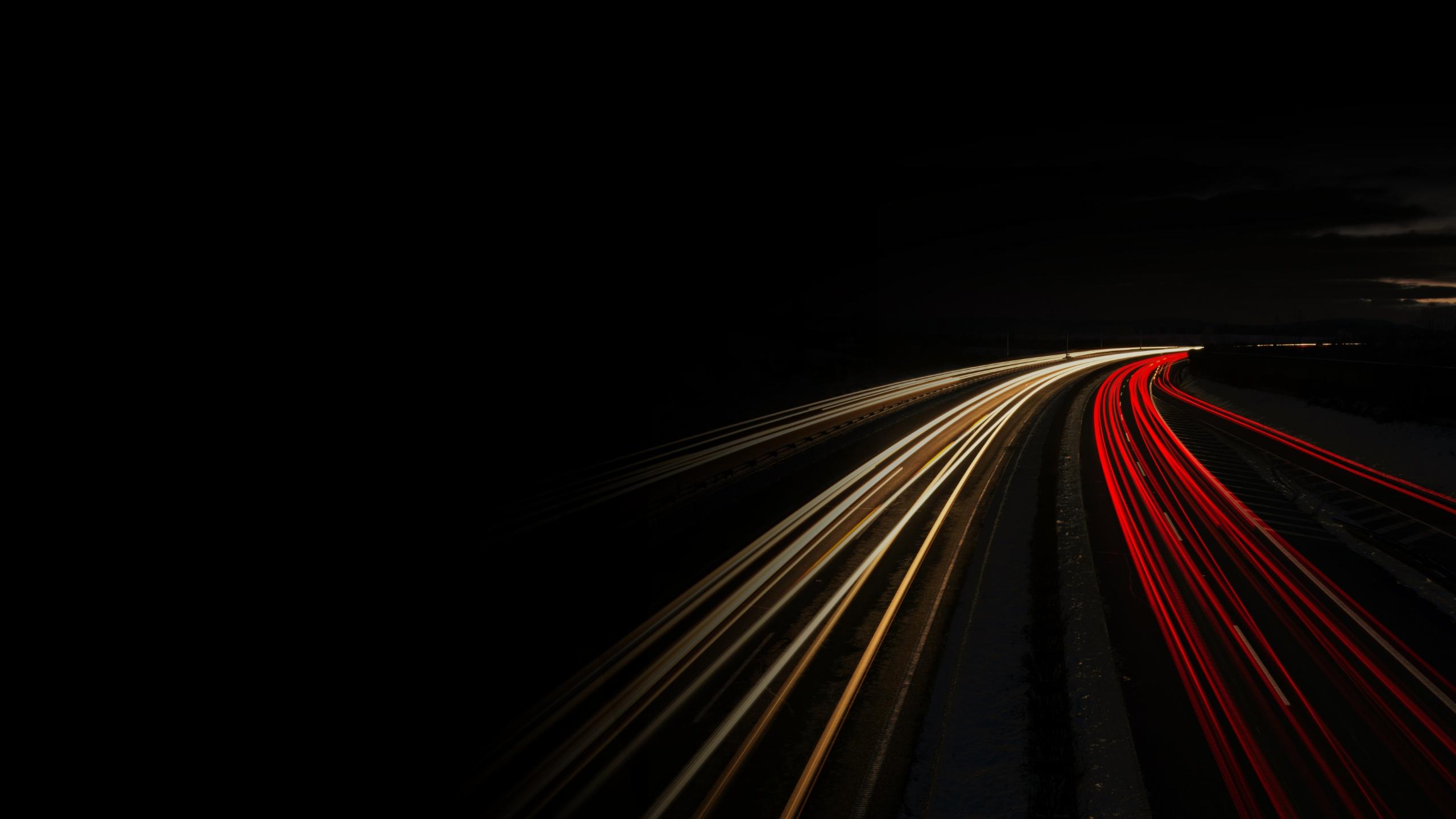 Autobahn bei Nacht Langzeitaufnahme